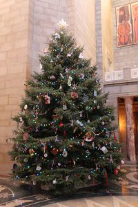 capitol-holiday-tree
